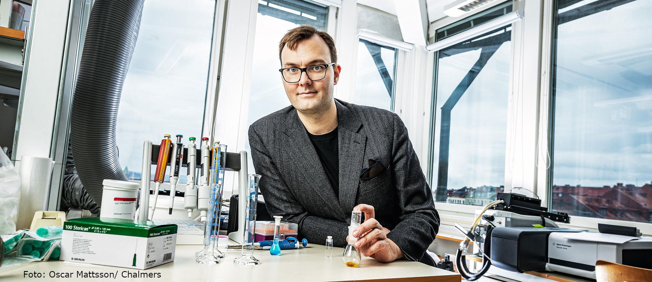 Bild på forskaren Kasper Moth-Poulsen